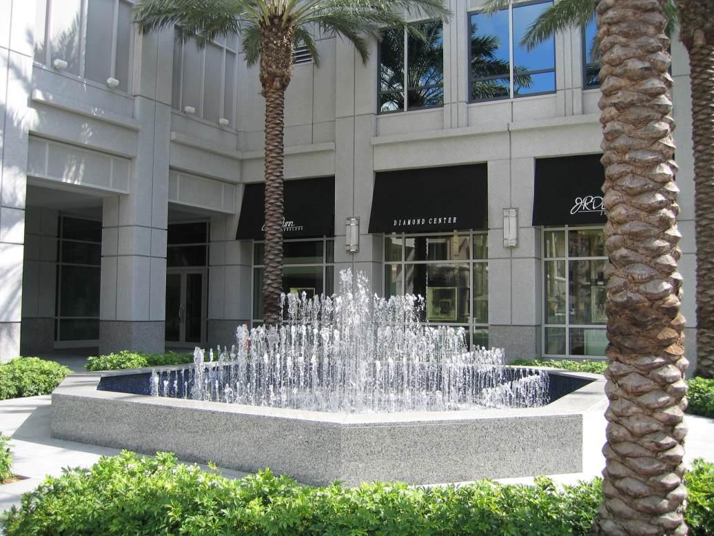 Las Olas City Center